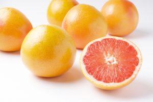 脂肪を燃焼する!?グレープフルーツのカロリーと糖質は?太らないおすすめのフルーツ
