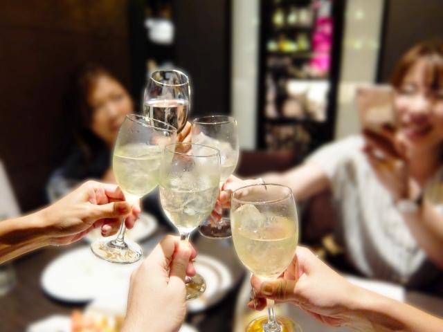 ダイエット中の飲み会でも太りにくいお酒の飲み方と食べ方は?
