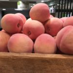 桃は太る!?カロリーと糖質をぶどうやりんごと比較