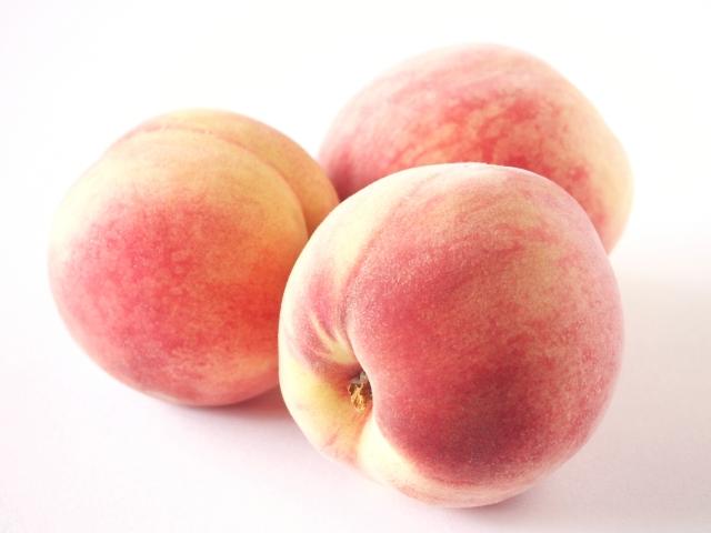 食べ過ぎは太る!桃のカロリーと糖質は?ぶどうやりんごと比較