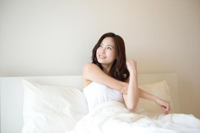 寝る前に筋トレするメリットは?効果を高めるやり方と注意点