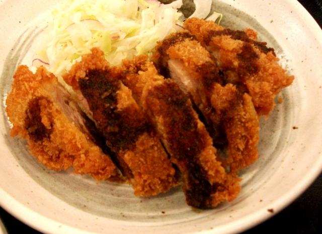 チキンステーキと他の鶏料理のカロリーを比較