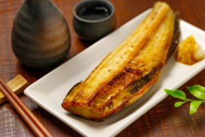 焼き魚は太る!?カロリーと糖質を刺身・フライにした場合と比較