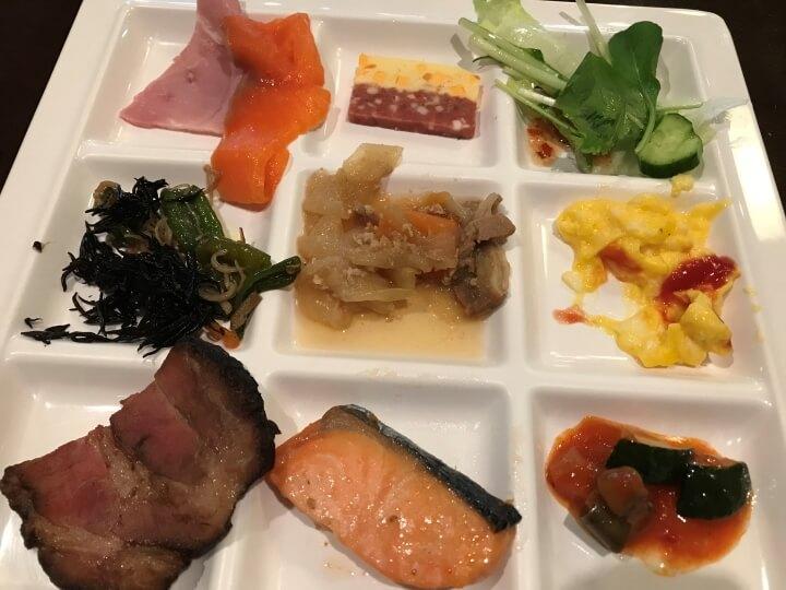 【朝食のカロリー】朝ご飯は太る!?和食と洋食のカロリーと糖質を比較