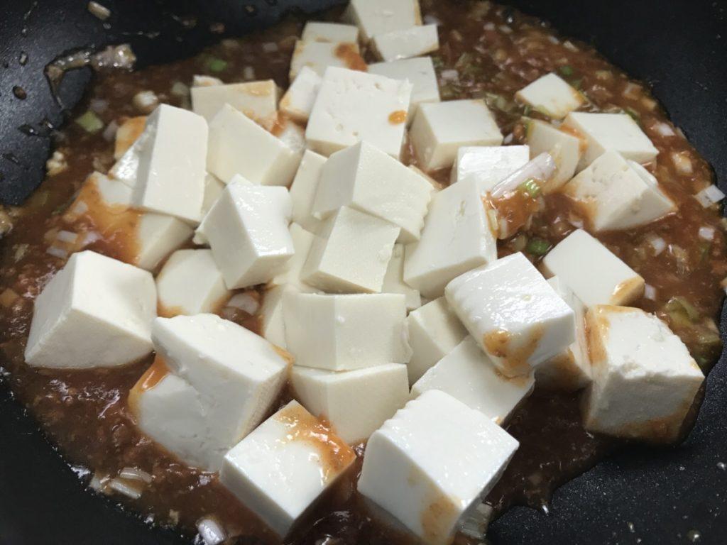 麻婆豆腐は太る!?カロリーと糖質をマーボー春雨と比較