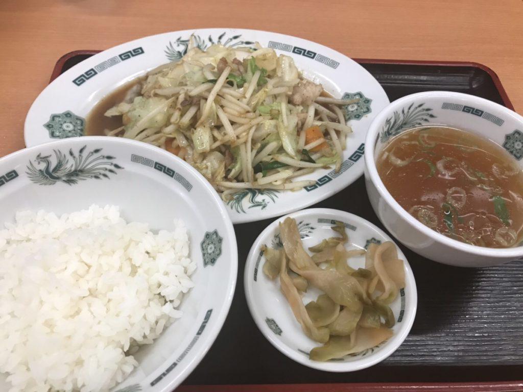 日高屋の野菜炒め定食のカロリーと糖質