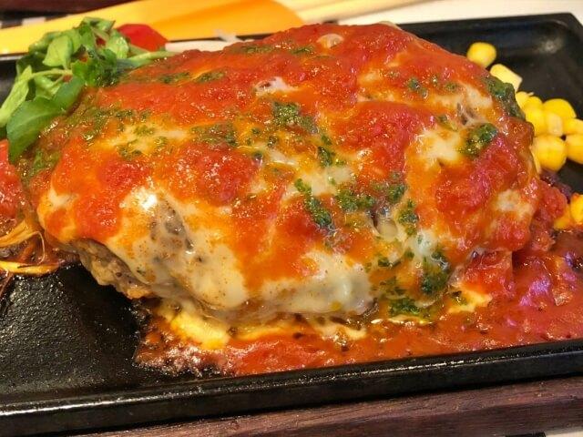【ハンバーグのカロリー】ハンバーグは太る!?ステーキや唐揚げとカロリー糖質を比較
