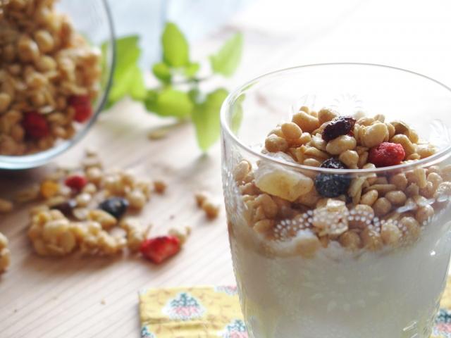 【ヨーグルトのカロリー】ヨーグルトは太る!?牛乳やチーズとカロリー糖質を比較