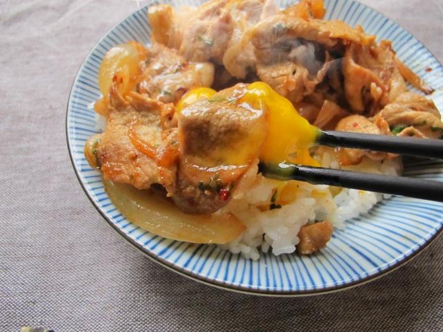【すた丼のカロリー】すた丼は太る!?牛丼やカツ丼とカロリー糖質を比較